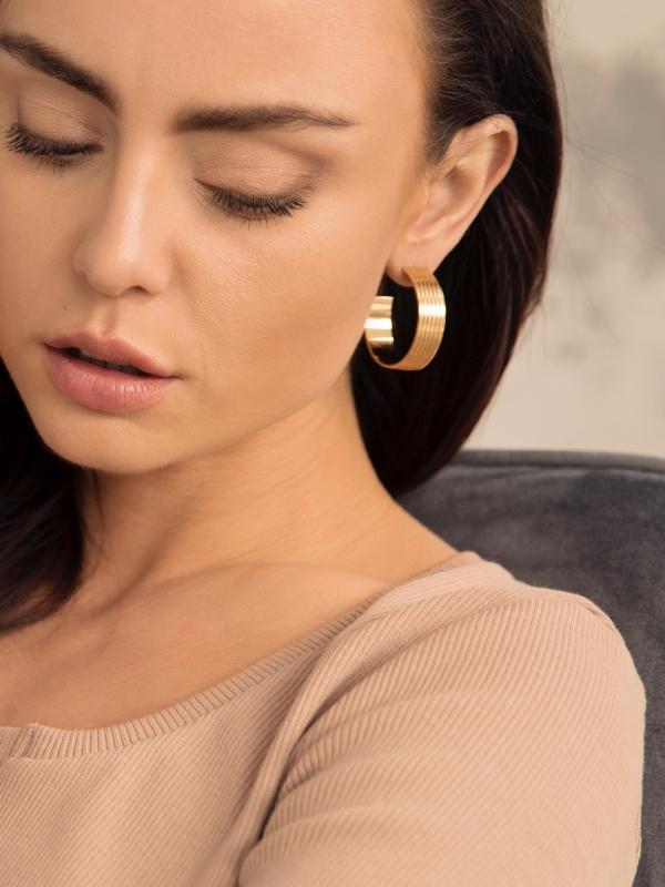kolczyki szerokie koła re11 gold minimalistyczna biżuteria moie złoto