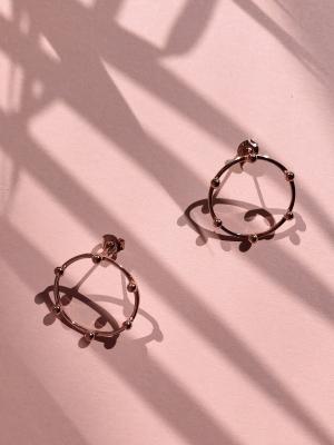 kolczyki płaskie kółka z kuleczkami re8 rose gold różowe złoto minimalistyczna biżuteria moie
